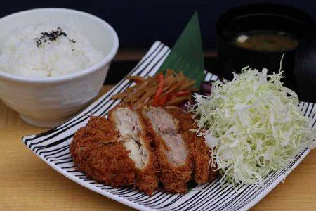 キムカツ ハーフ&ハーフ御膳(ご飯大盛)※味噌汁付